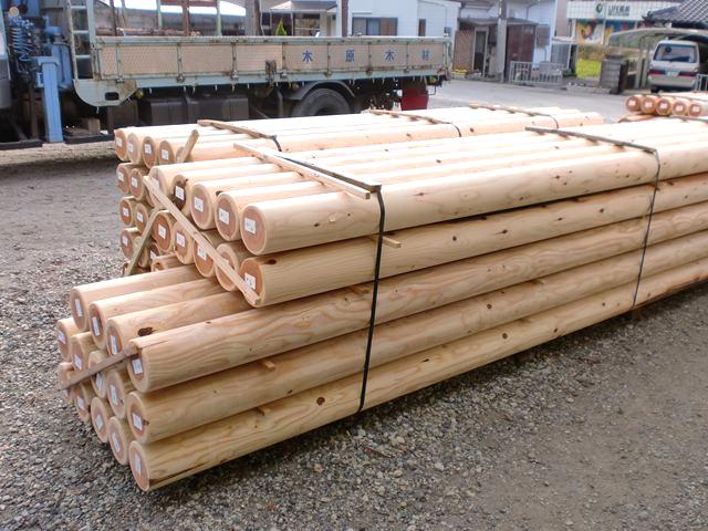 丸棒・丸柱・円柱加工品・ロータリー木材・ロータリー丸太(中)