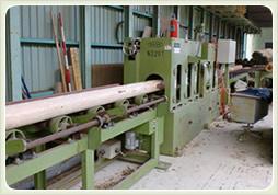 写真:自動丸棒加工機(円柱・ロータリー加工機)直径5cm~22cm(50 mm ~220 mm)