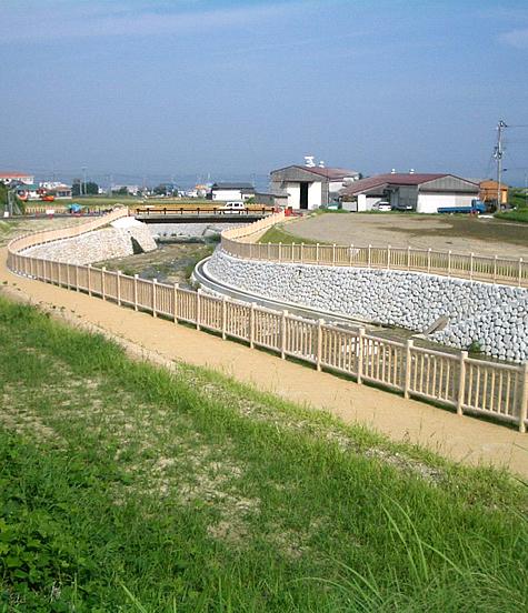 (写真)兵庫県淡路市 育波川(転落防止柵)