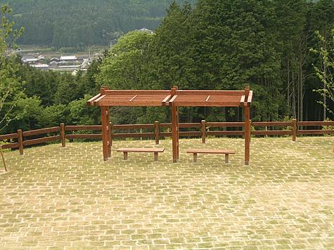 (写真)兵庫県多可町 ラベンダーパーク多可(パーゴラ)
