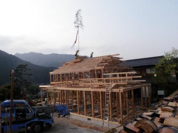 「裏山の所有林の木」で「地元の大工棟梁」による家づくり