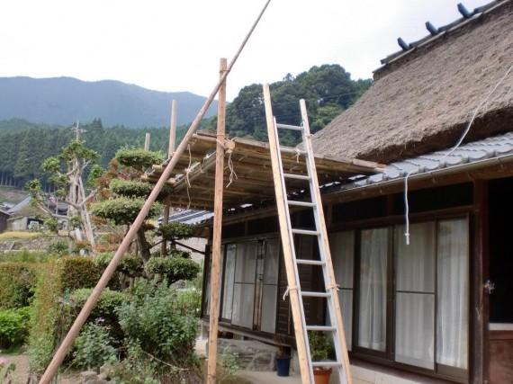 木材屋が組み上げた木組みの仮設足場