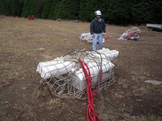 荷上げした木製資材 (荷姿)