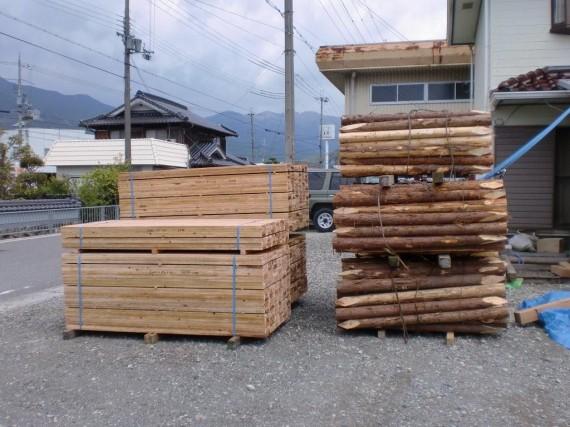 土木用木材  「杭と矢板」