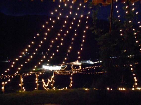 「光の癒し~アロマキャンドルのライトアップ~」 (上から)