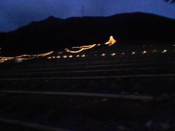 「光の癒し~アロマキャンドルのライトアップ~」