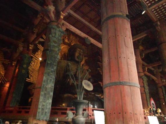 「大仏殿」を支える「丸柱・円柱」 と 「盧舎那仏(大仏)」