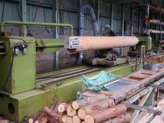 「特大・丸棒加工機」 直径38cm加工風景 (左側から4 削り終わり)