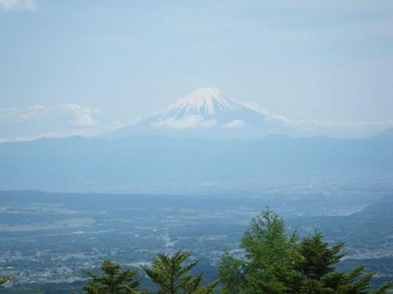 山梨県馬事振興センターから見えた本物の「富士山」