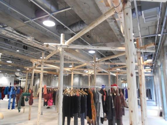 某有名デザイナー・ブランド店舗での丸棒加工品(ロータリー丸太)の使用事例