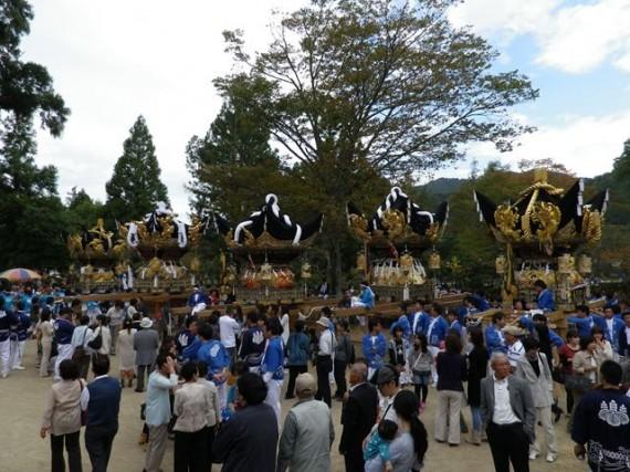 播州糀屋稲荷神社・秋祭り 稲荷郷5地区の太鼓屋台が勢ぞろい