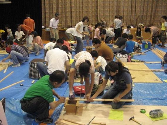 夏休みには「こべっこらんど」で開催される木工教室に木材を供給