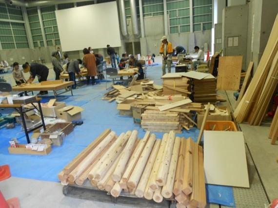 三木金物まつり 「木工教室」  今年は「かじやメッセみき」での開催でした