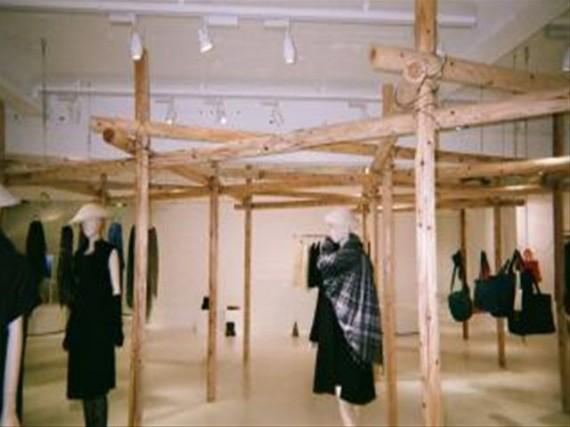 某有名ブランド・デザイナー店舗『銀座店』での展示風景