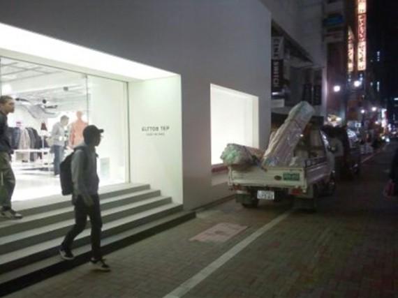 某有名ブランド・デザイナー店舗『銀座店』への搬入風景