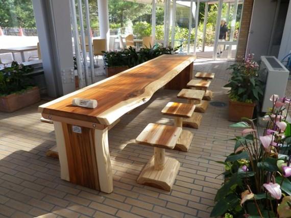 兵庫県立フラワーセンター テーブル