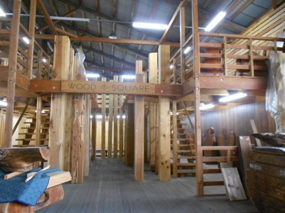 「製材所部門」の柱材の展示