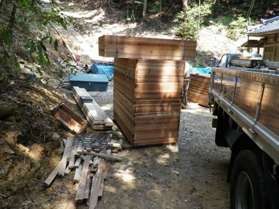 「型枠」を建設現場に納入したところ