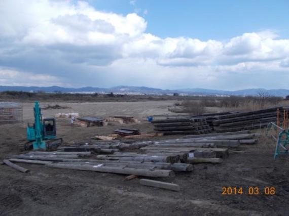 「流れ橋」の修復工事の様子(橋桁・橋板の修理、H26.3初旬)