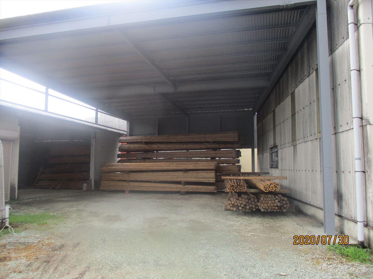 『足場丸太』の在庫用倉庫を増設しました